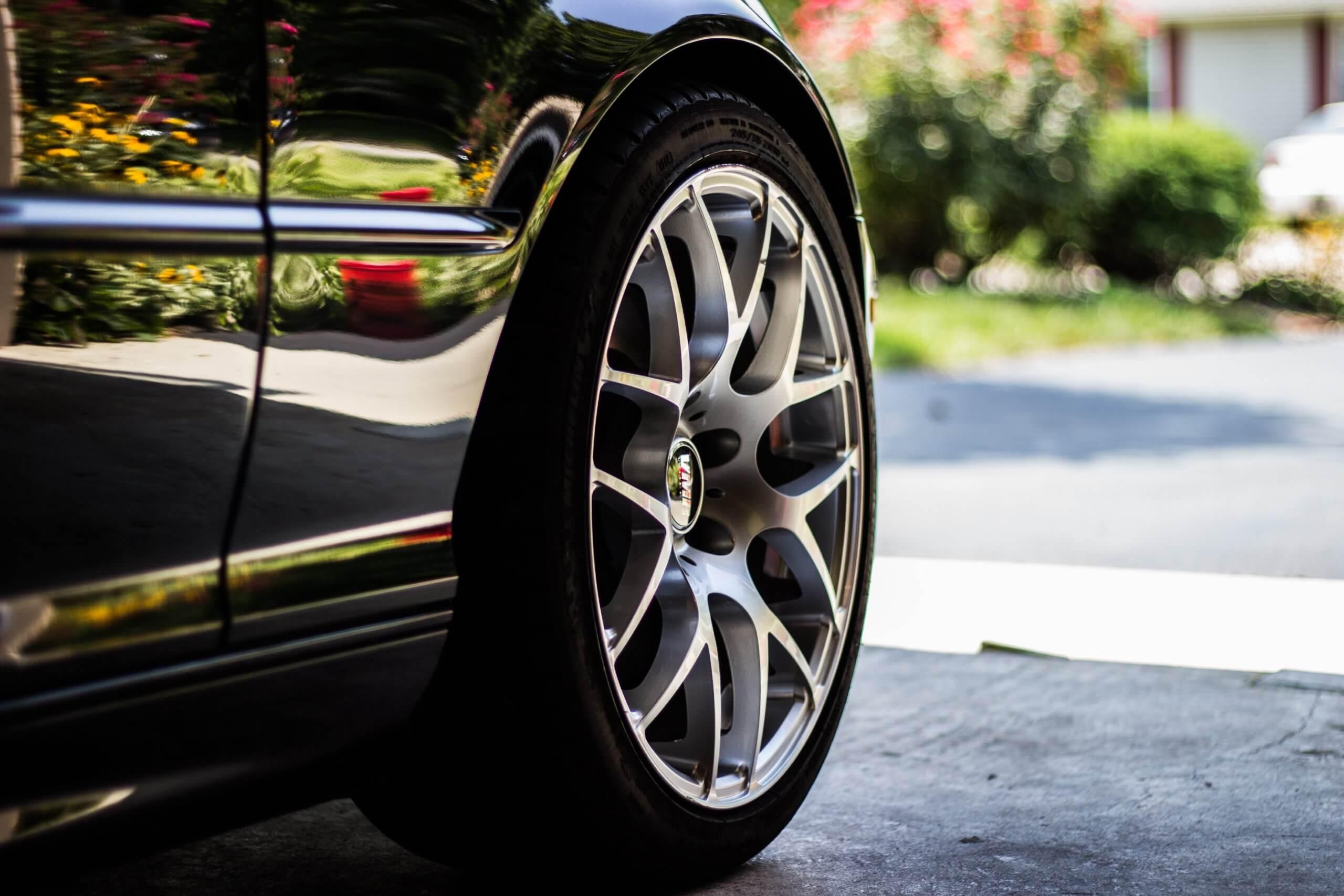 car-tire-1031579