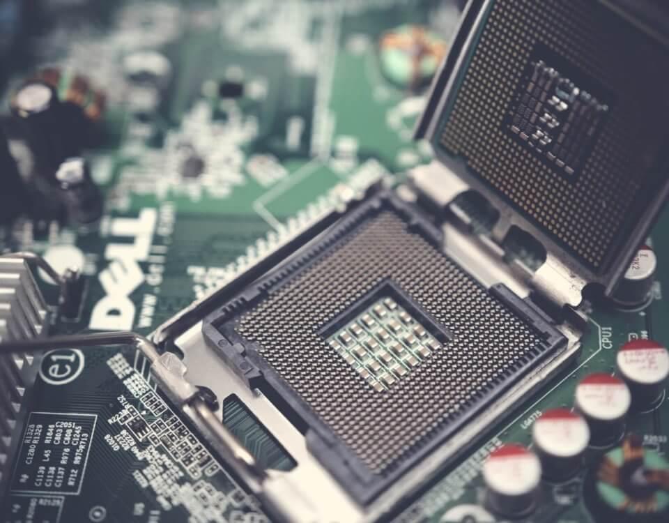 blur-capacitors-chip-1432675